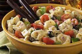 Лесна салата с тортелини