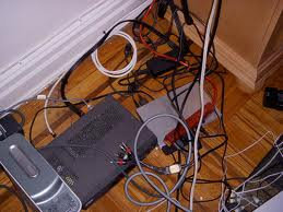 Проблем с кабелите по пода