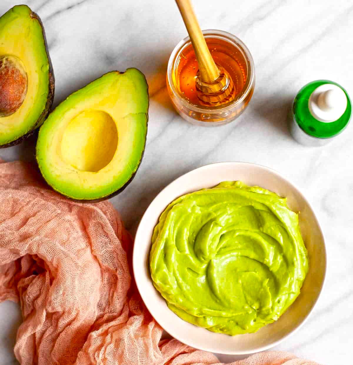 Маска за коса с авокадо и мед
