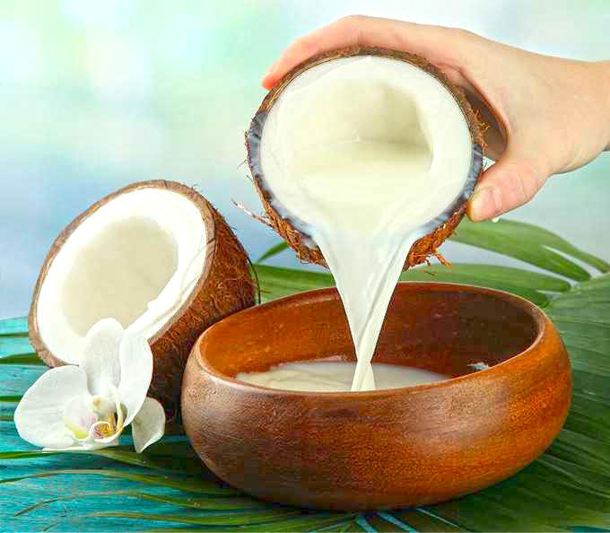 Маска за коса с кокосово мляко