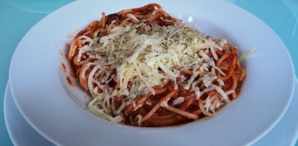 Домашни спагети болонезе - рецепта